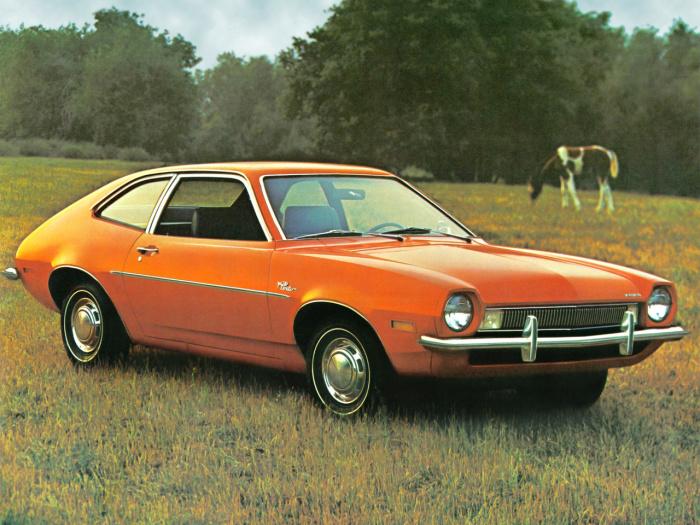 Ford Pinto В 70-е годы автопроизводители Детройта были связаны острой конкуренцией и борьбой за сниж