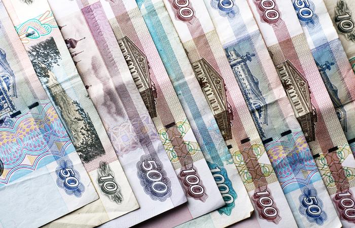 Всё больше граждан России сохраняют деньги врублях ФОТО