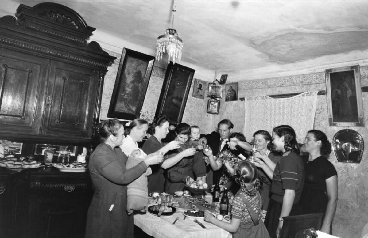 1946. Встреча нового 1947 года в старой московской квартире