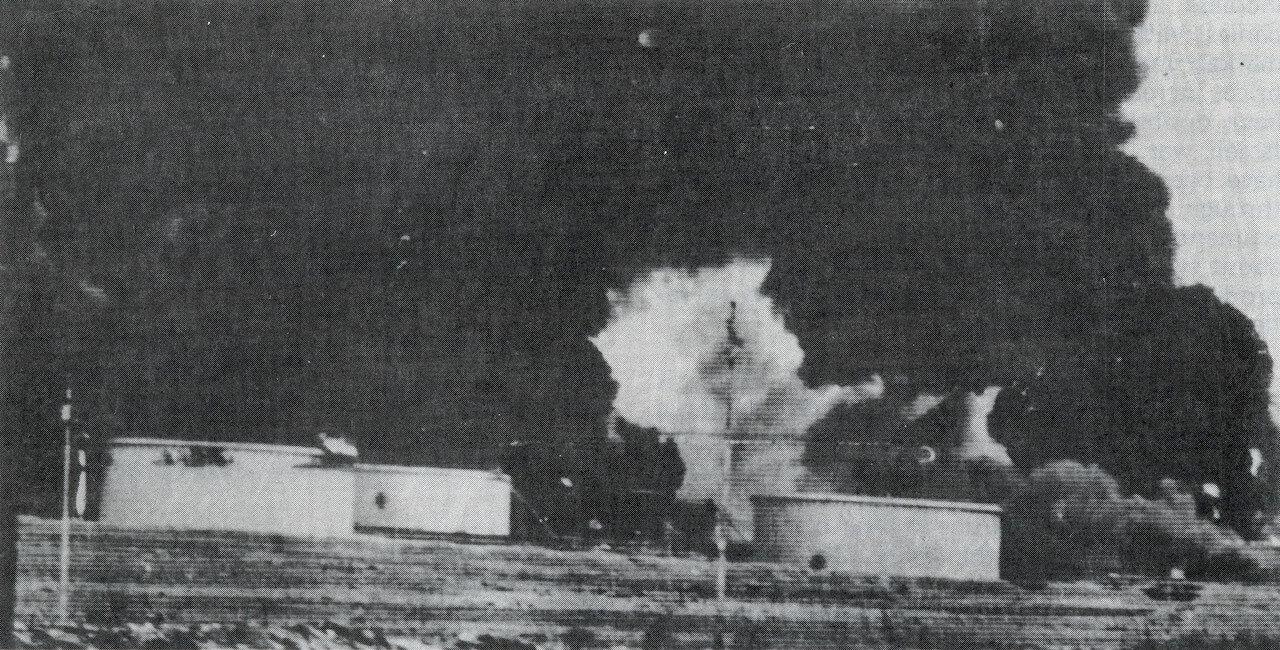 Нефтяной терминал в Сирии под обстрелом с израильских ракетных катеров типа «Саар-4»