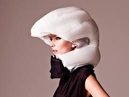Велосипедный шлем, превращающийся в воздушную подушку
