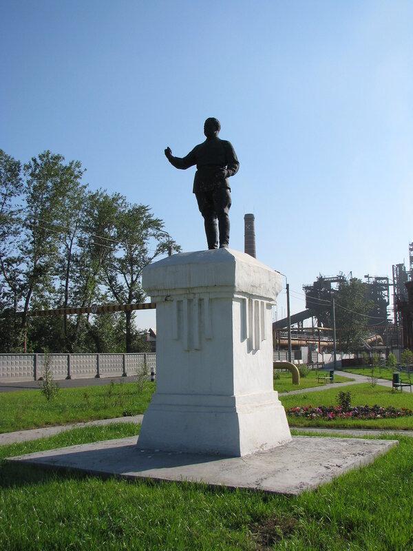 Памятник с крестом Бакал заказ памятника на кладбище Гагарин