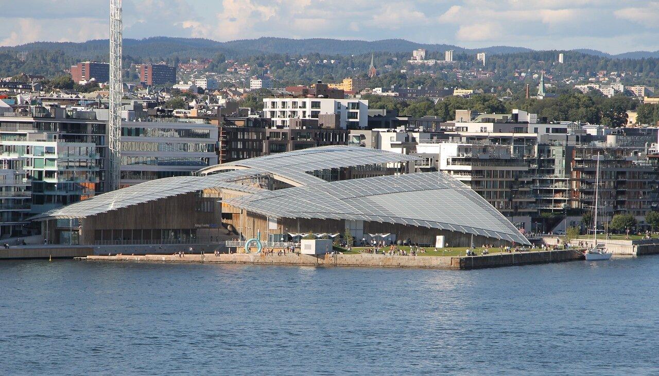 Oslo. Осло. Ослофьорд, Oslofjord. Музей современного искусства Аструп-Фернли. Astrup Fearnley Museum of Modern Art