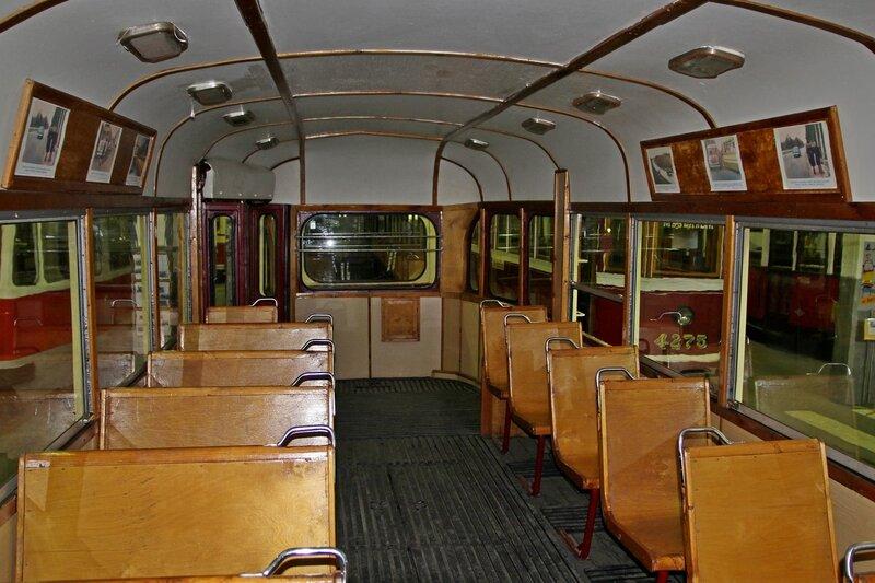 Интерьер старинного трамвайного вагона ЛМ-47 IMG_8710