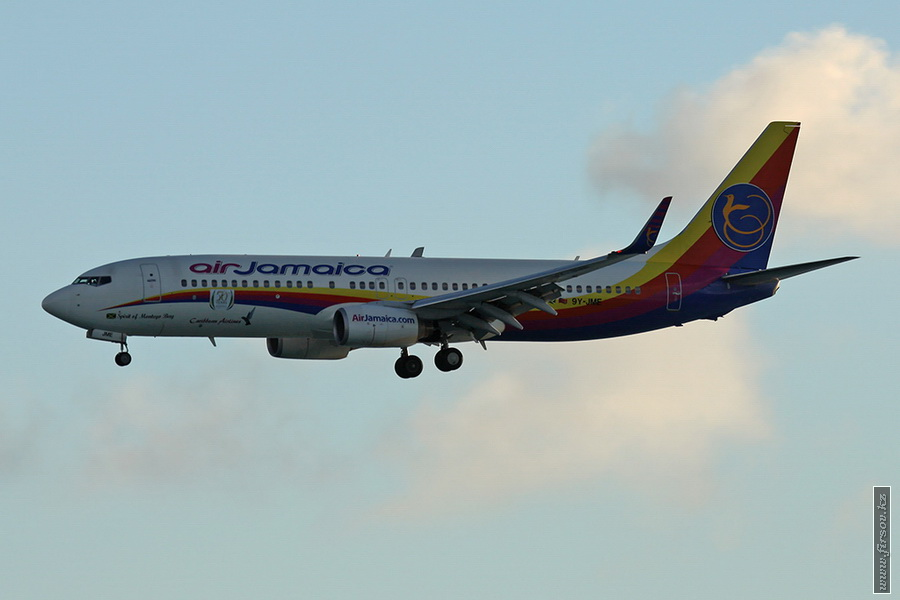 B-737_9Y-JME_Air_Jamaica_1_SXM_for_zpscc184866.JPG