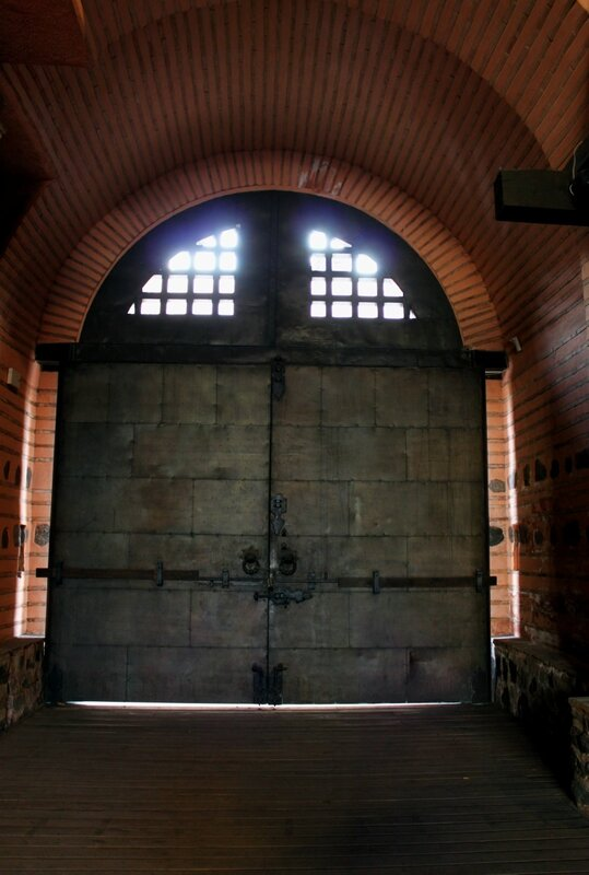 Южные ворота павильона
