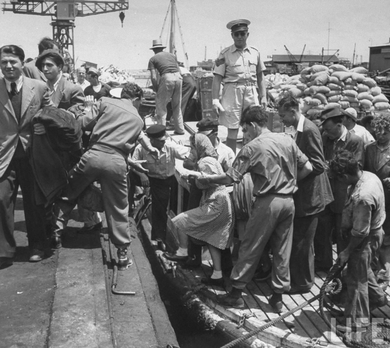 1948. Высадка пассажиров