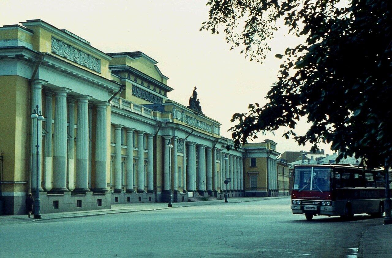 12.  Русский  музей   (садовый фасад)