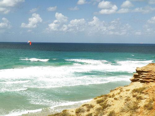 Нетания - море и прибой, день