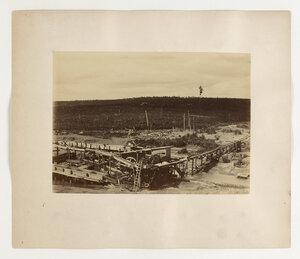 Шлюз для промывки золотоносной земли. Панорама из двух листов. Лист II.
