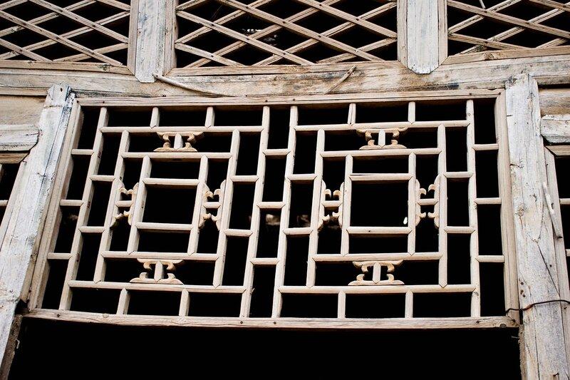 окно дома на плато Ордос, Внутренняя Монголия