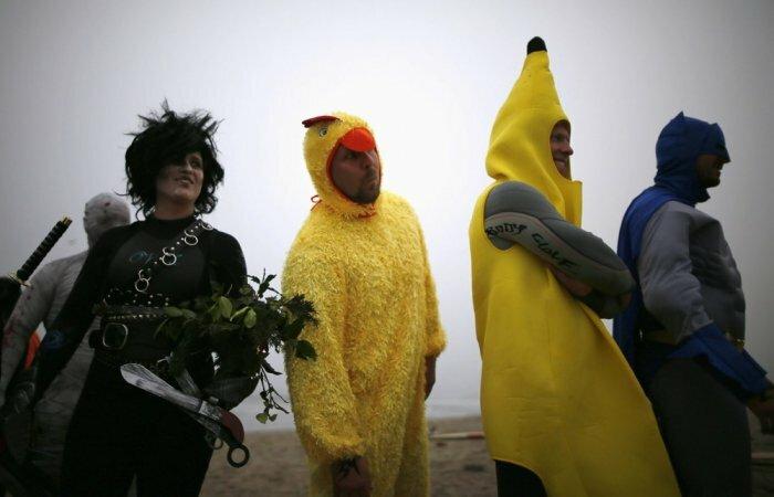 Чемпионат хэллоуин-серферов