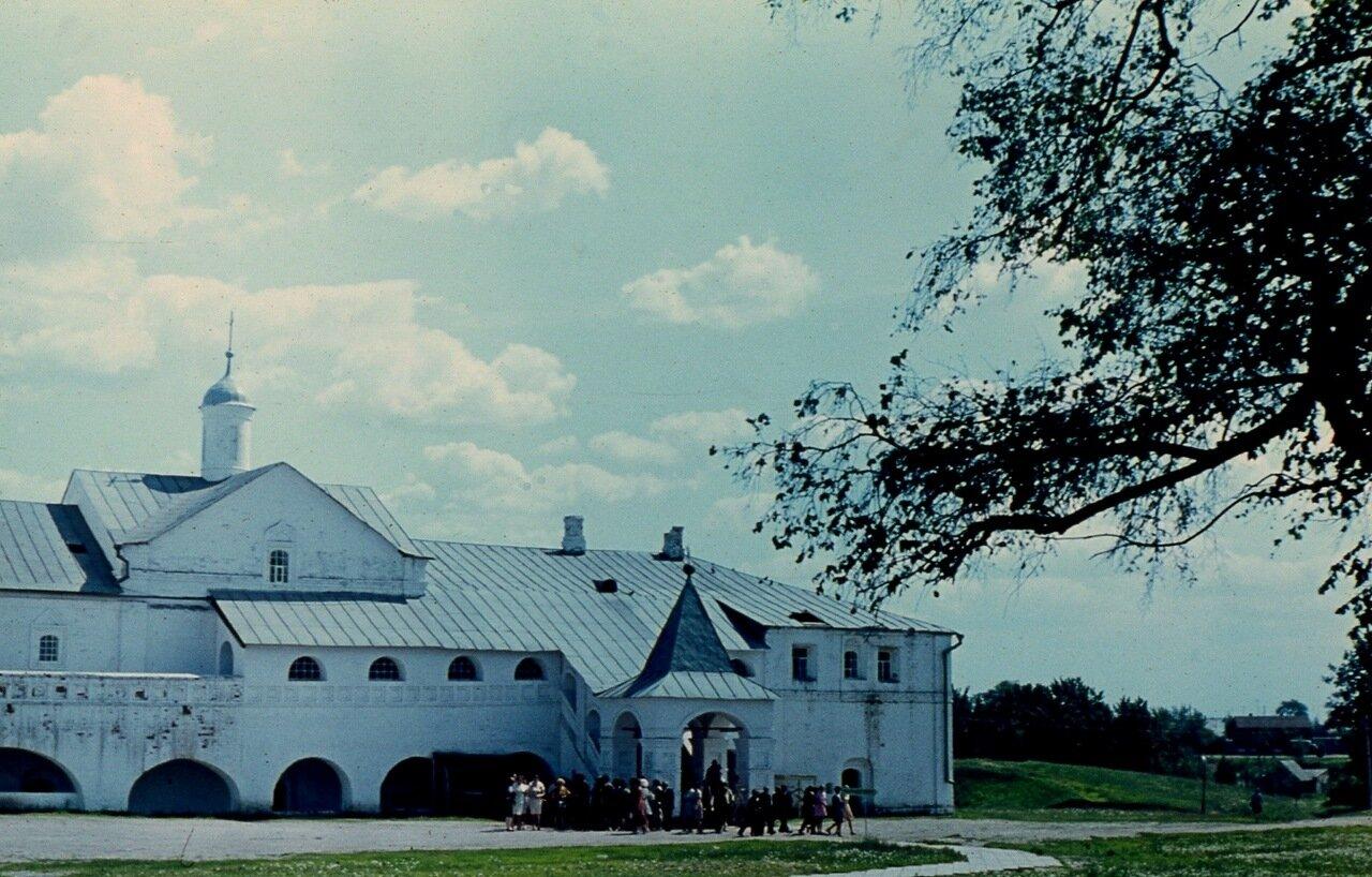5. Архиерейские палаты