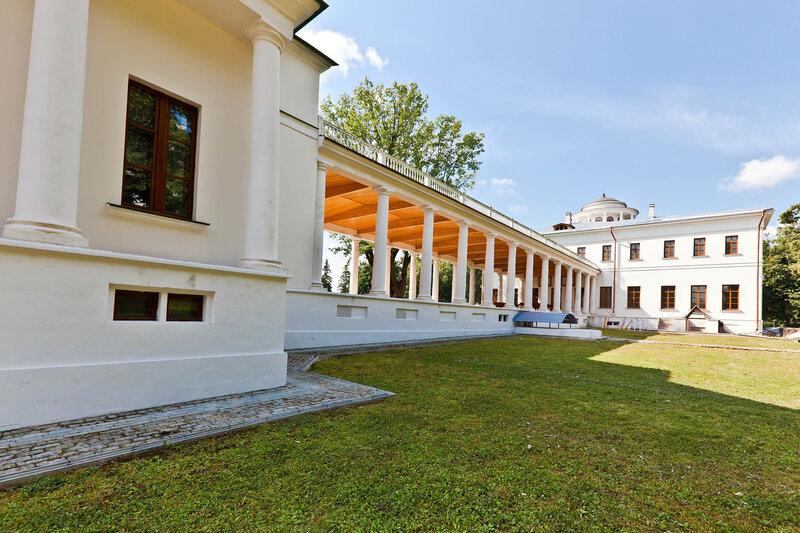 Дворец Вяземского в Остафьево - вид из парка