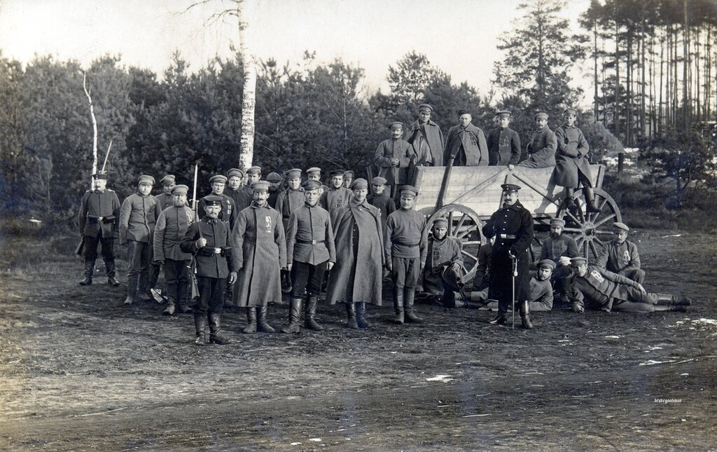 Unused.Russian prisoners-of-war, possibly taken during the Battle of Tannenberg in the first weeks of the war when German forces decimated the Russian second army and badly mauled the first.The Australian Captain, William Cull, badly wounded and i