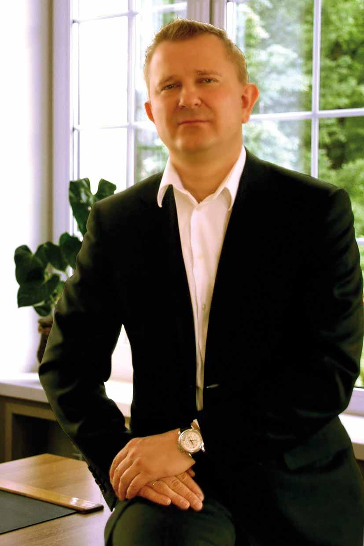 Президент российско-французской Компании АромаШарм Джгун Вячеслав Юрьевич