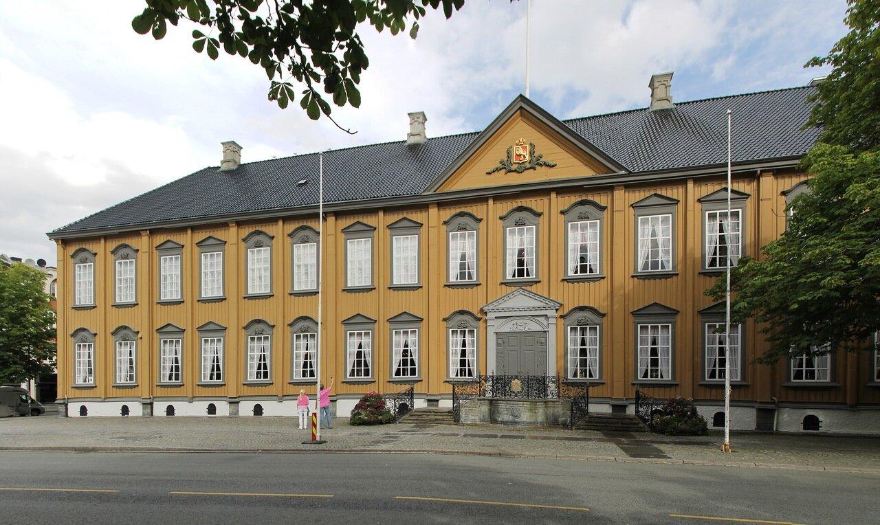 Trondheim, Royal residence (Stiftsgården)