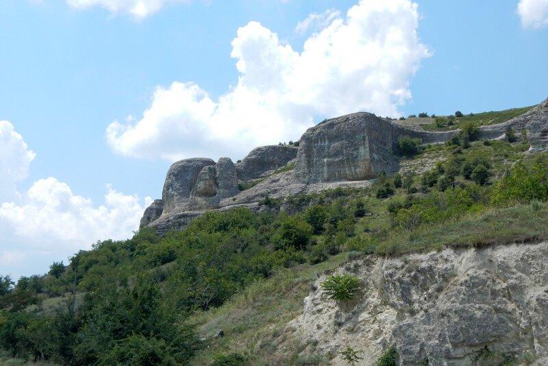 Останцы горы Баш-Кая у села Красный Мак