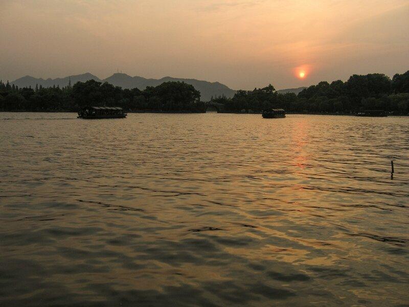 Закат над озером Сиху, Ханчжоу