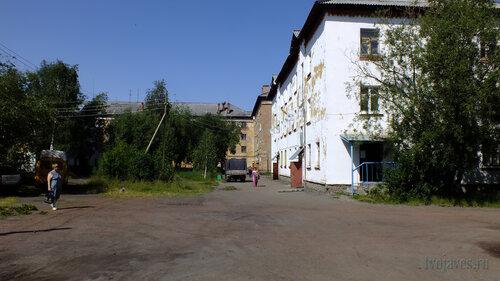 Фото города Инта №5194  Гагарина 1 и Геологическая 5 16.07.2013_12:44