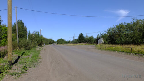 Фото города Инта №5495  Дорога по улице Восточная в восточном направлении в районе Восточной 3 06.08.2013_13:24