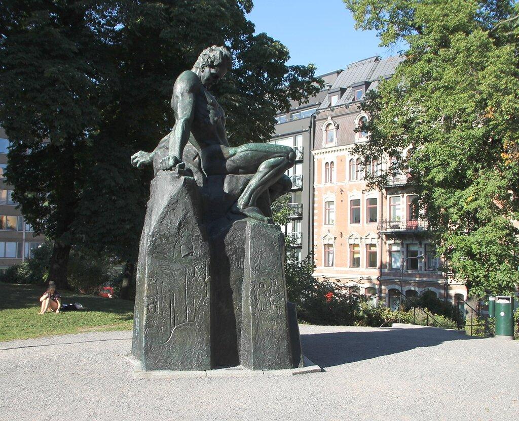 Памятник писателю Августу Стринбергу, Стокгольм