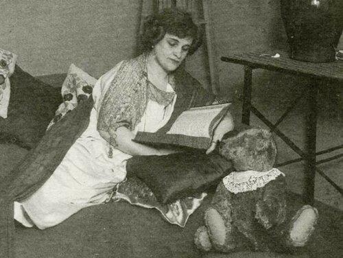 1925 год. Тэффи во времена эмиграции.