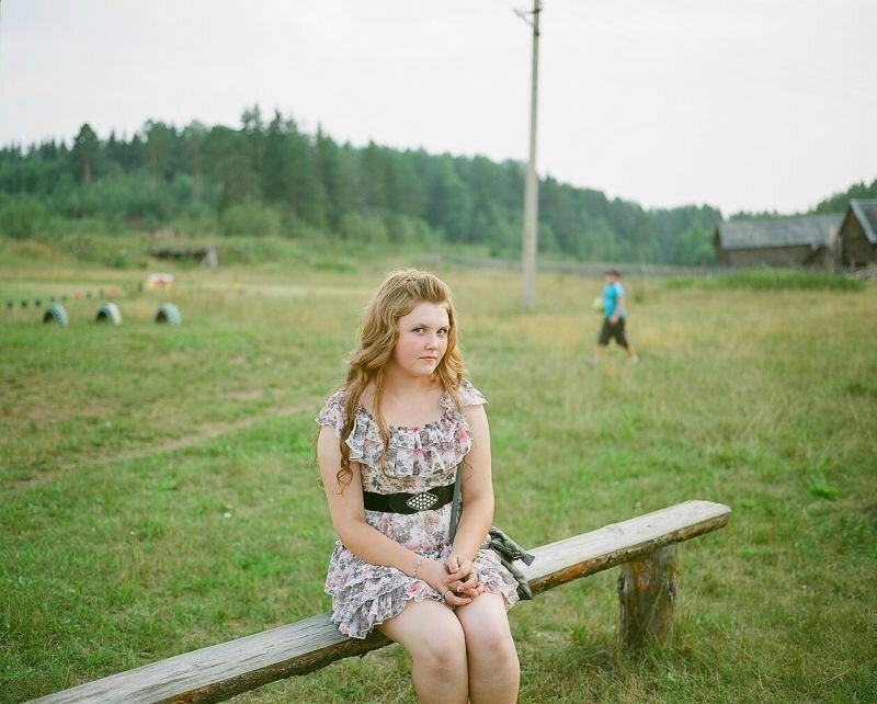 devushki-derevenskaya-devushka-hochet-poznakomitsya-foto-foto-butilka