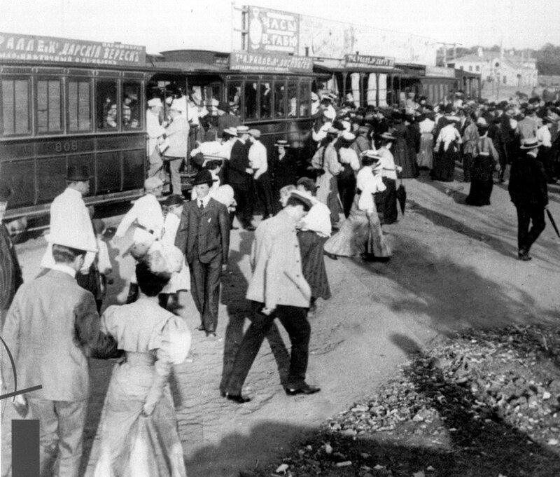 12504 Прибытие парового трамвая на Миусскую заставу. По маршруту паровичка №6 1909.jpg