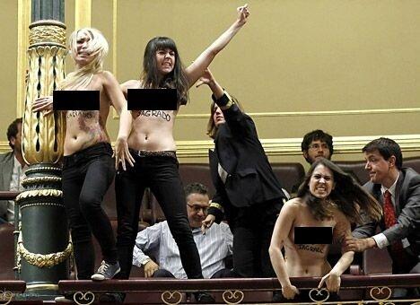 FEMEN сорвали заседание парламента Испании