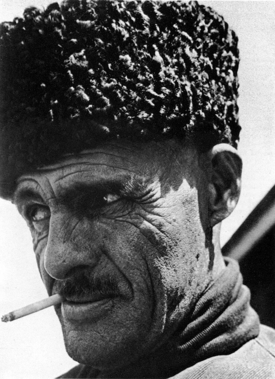 Рабочий зерносовхоза.Чечено-Ингушетия. 30-е годы
