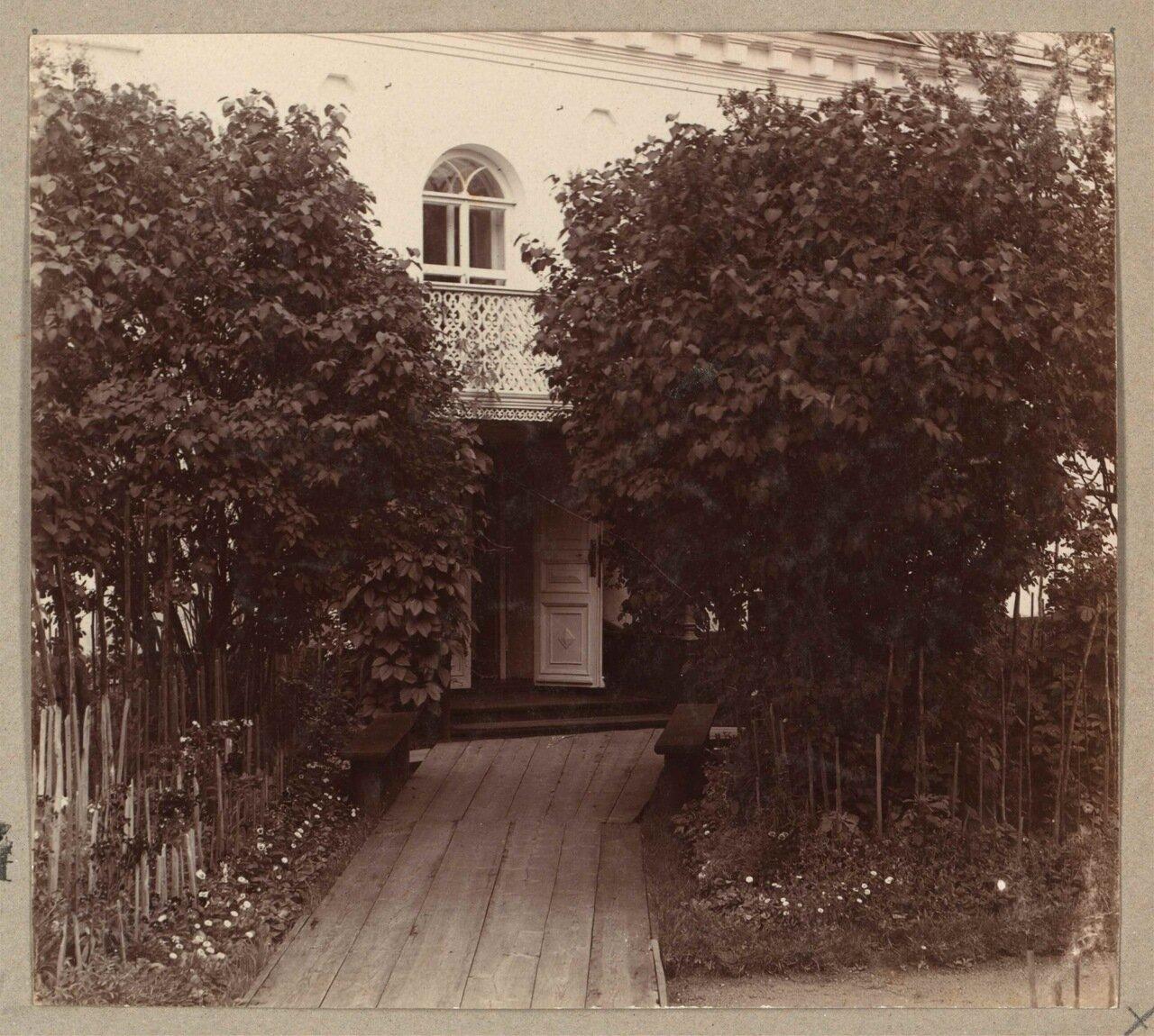 Женский Сретенский монастырь в Кашине. Вход в дом, где жила Великая Княгиня Елизавета Федоровна в 1909 году