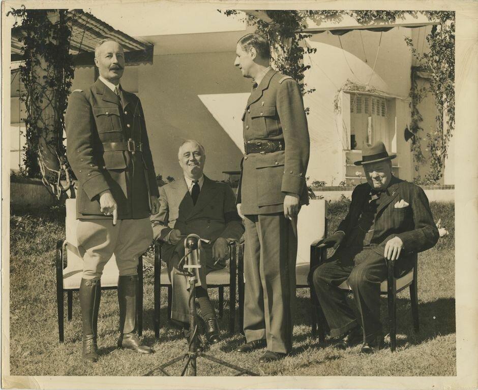1943. Президент Рузвельт, Шарль де Голль, Уинстон Черчилль и Жиро
