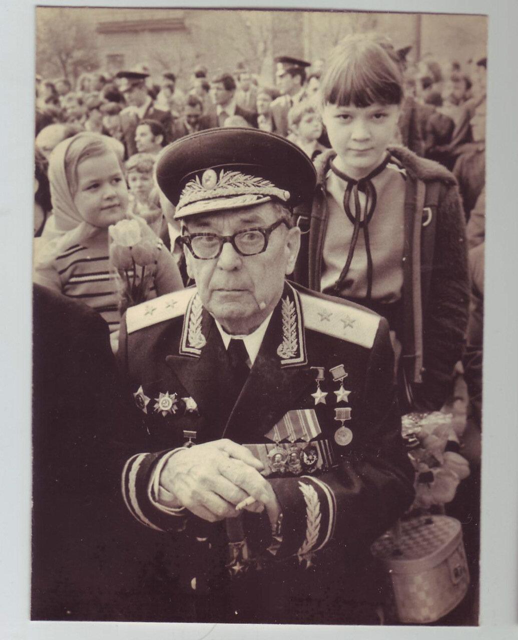 Генерал-лейтенант армии, ветеран Великой Отечественной войны. 1983