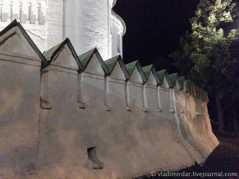 Стена Суздальского кремля