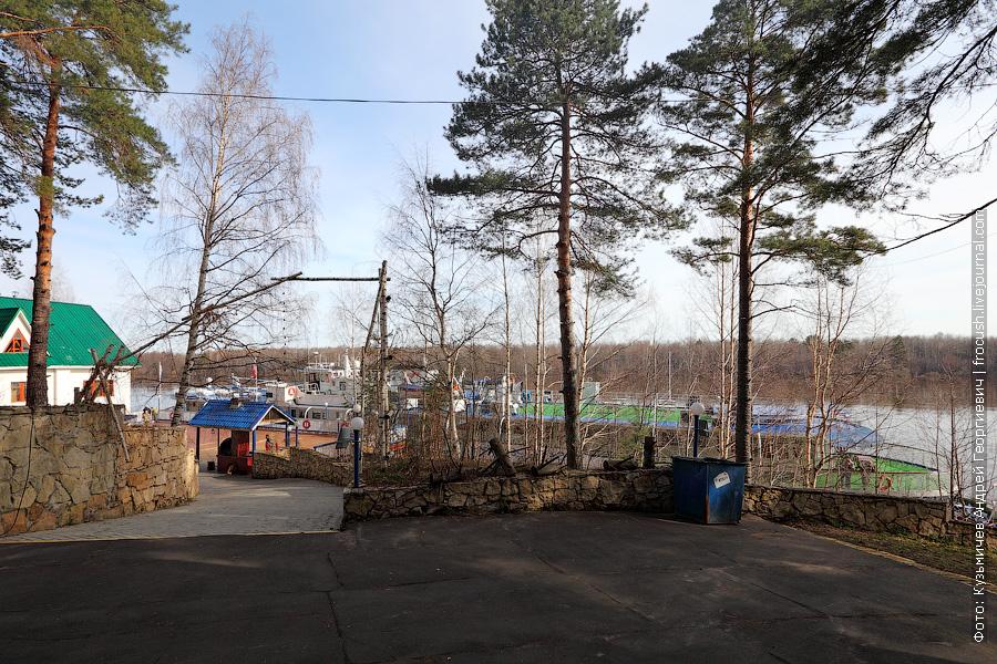 8 мая 2013 года 8:39. Теплоход «Василий Чапаев» в Потрепухино на Вятке