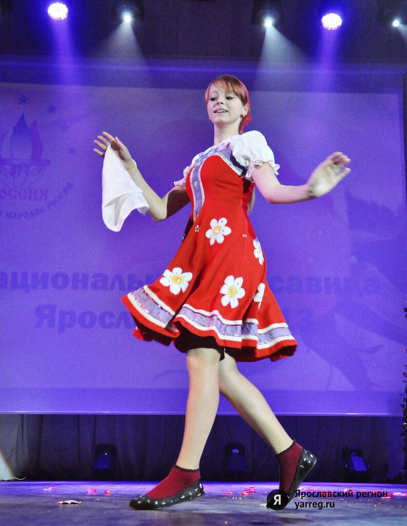Чеченские девушки развлекаются фото 1 фотография