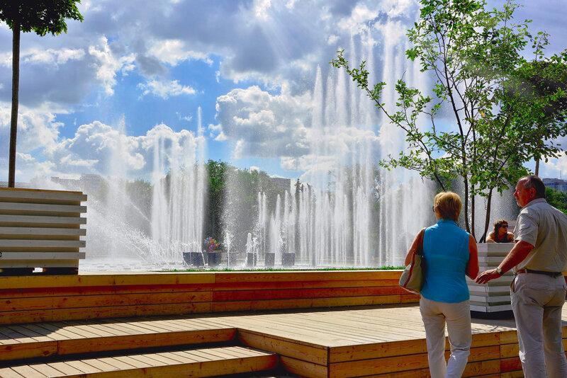 ...У городского фонтана.jpg