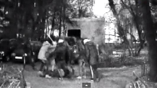 Подростки-националисты избили до полусмерти москвича