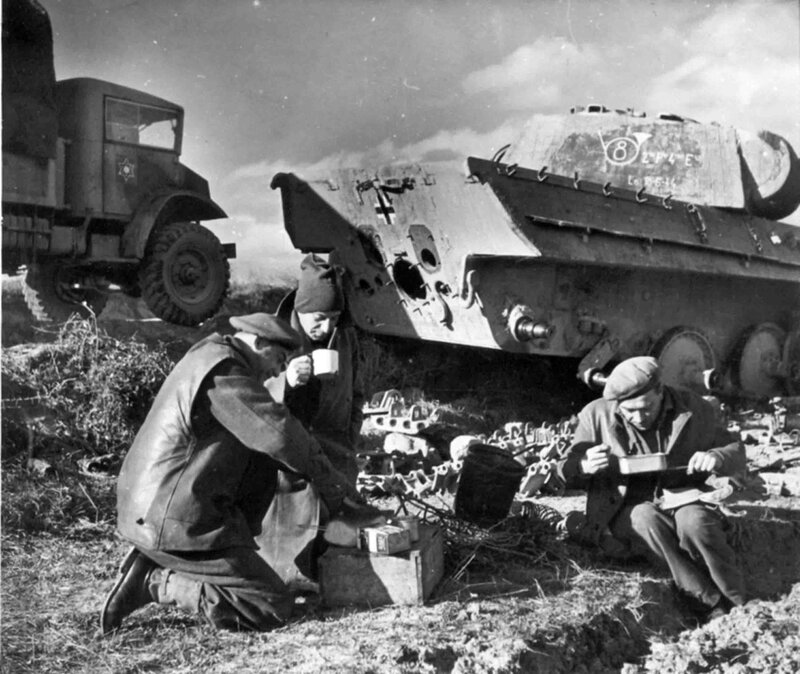 Engineers from the Jewish Brigade in camp