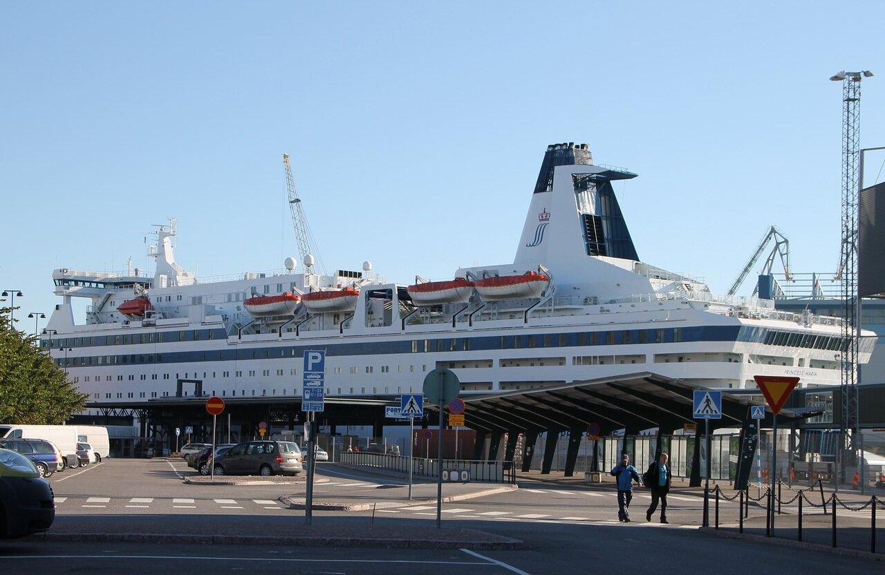 Хельсинки порт, Западный терминал. паром Принцесса Мария