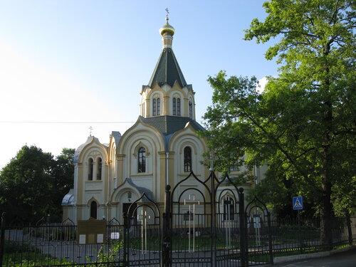 церковь в Любани