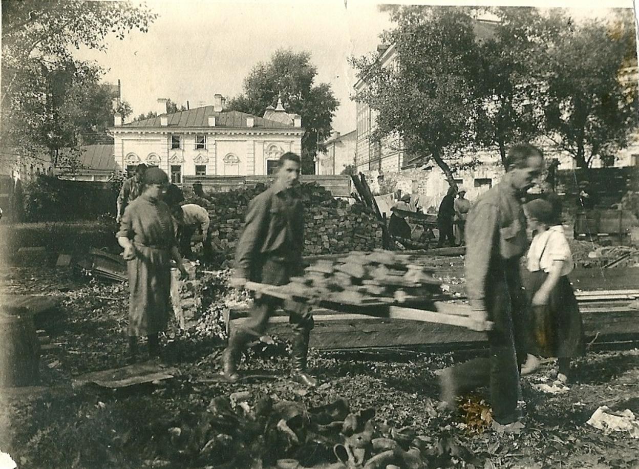 1924. Воскресник. Студенческое общежитие Неопалимовское. Москва