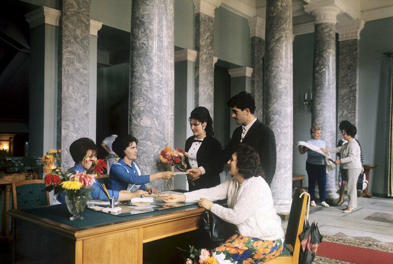 "Санаторий ""Сочи"" в 1968 году, холл"