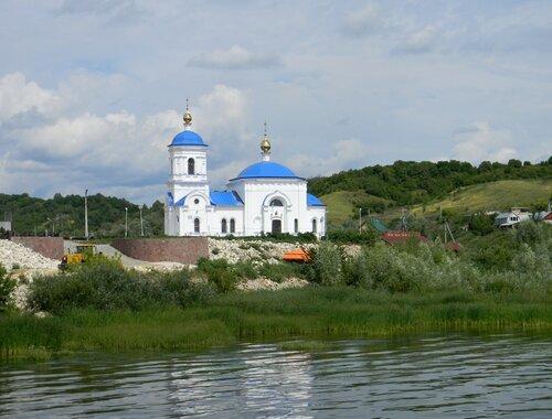 Храм в честь иконы Казанской Божией Матери