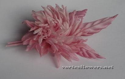 Как сделать цветок из ткани. Георгина из ткани своими руками.