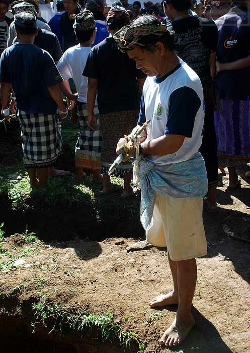 Вскрытие могил для кремации