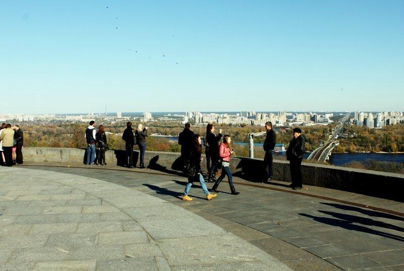 Площадка обозрения у Вечного огня парка Славы