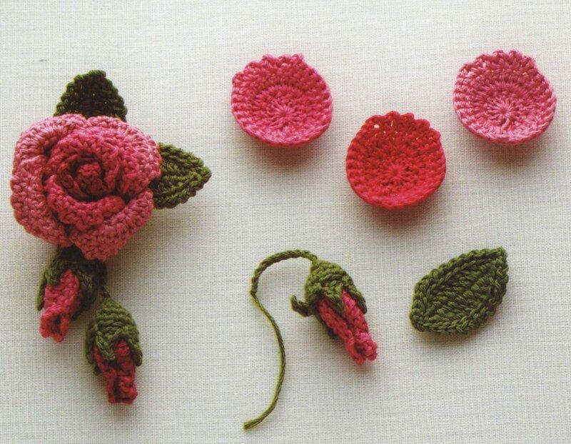 Вязанные миниатюры, цветы, листья. Все для урашения
