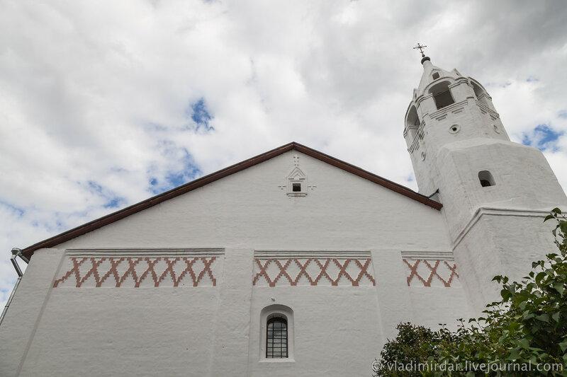 Трапезная палата с Зачатьевской церковью. Свято-Покровский монастырь в Суздале.